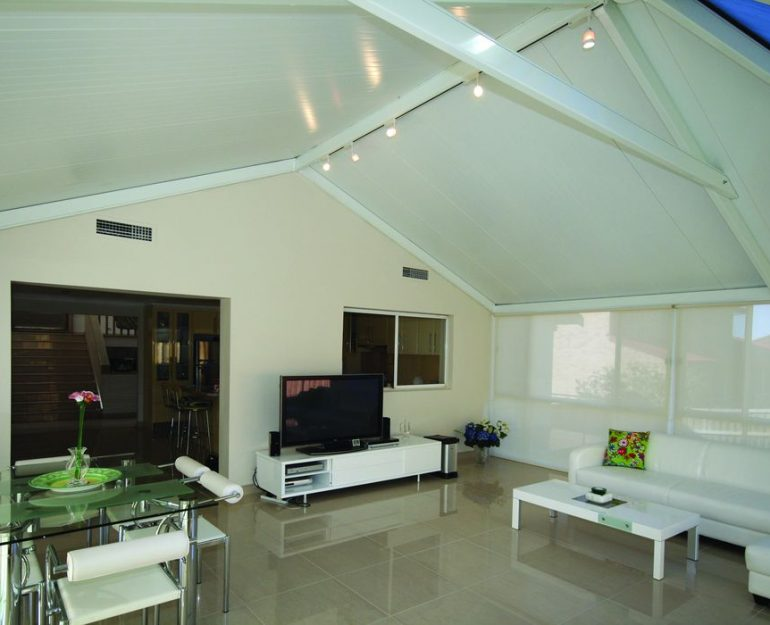 Shademaster Gable Roof Coffs Harbour Blinds and Awnings (5)