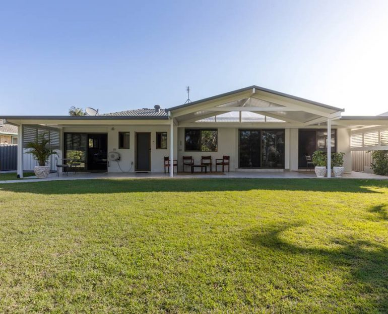 Shademaster Gable Roof Coffs Harbour Blinds and Awnings (7)